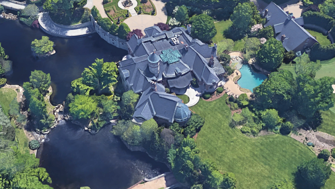 Captivating ... Located On Stone Gate Road In Louisville, KY, Is Owned By John  Schnatter. Schnatter Is The Founder, Chairman, And CEO Of The Papa Johnu0027s  Pizza Chain.