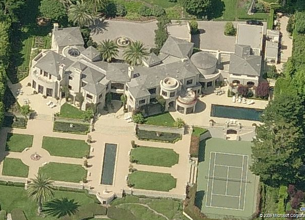 A Look At Some Mansions 19 Homes Of The Rich