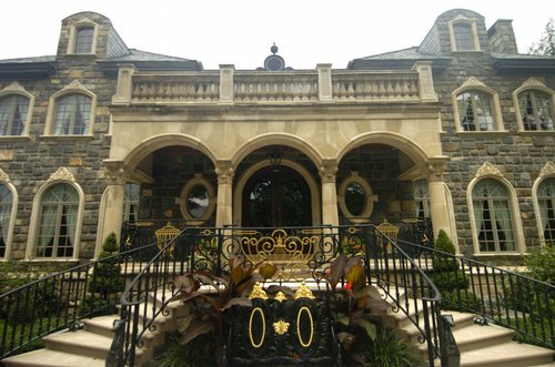 Grand Saratoga Springs Mansion