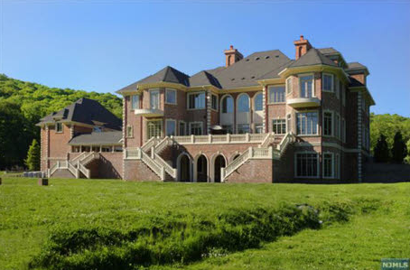 Stony Point, NY mansion officially hits the market