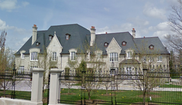 Some nice canadian mansions homes of the rich for Really nice mansions