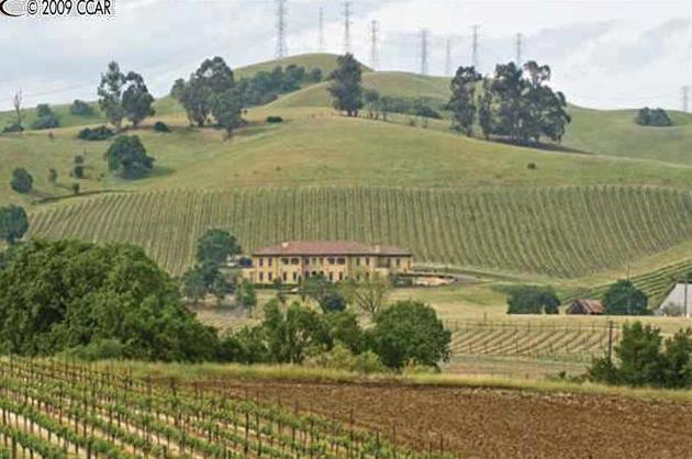 Classic Tuscan Villa in Livermore, CA