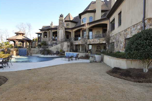 Alabama Mansion in Prestigious Greystone Crest