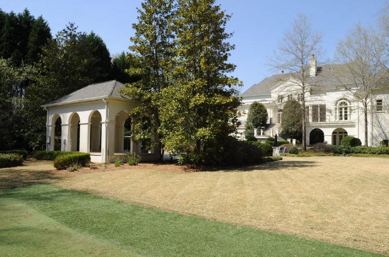 Elegant Manor Estate in Atlanta