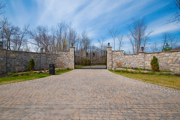 TuLyons – A 41,000 Square Foot Canadian Mega Mansion