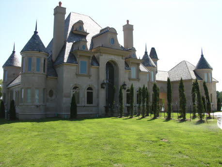 Hot springs ar castle like waterfront property homes of for Small houses that look like castles