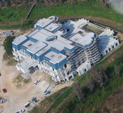 David siegel lists his 90 000 square foot super mansion for Super mega mansions
