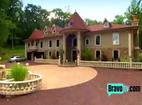 Real housewives of new jersey s teresa giudice s mansion for New jersey home builders