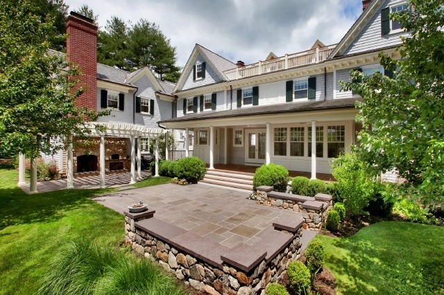 Breathtaking Traditional Colonial In Westport, CT