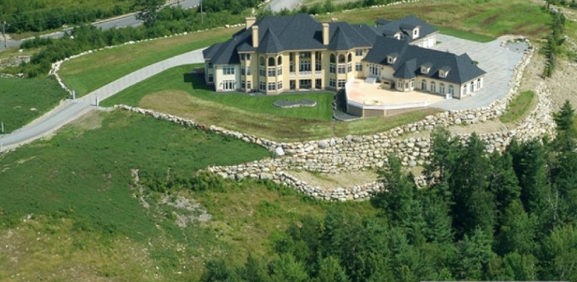 Hilltop Mansion In New Boston, NH