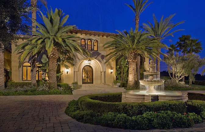 Equestrian and vineyard hacienda estate in los angeles ca for Rich homes in california