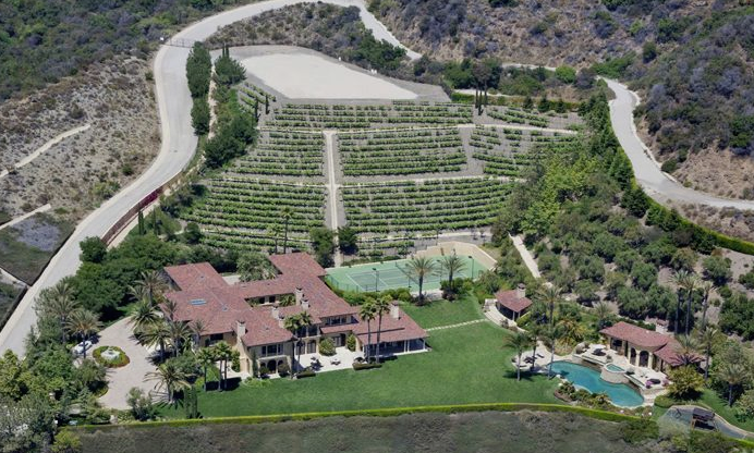 Equestrian And Vineyard Hacienda Estate In Los Angeles Ca