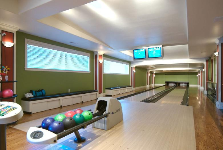 A Look At Some Of My Favorite Bowling Alleys. What are YOUR ...
