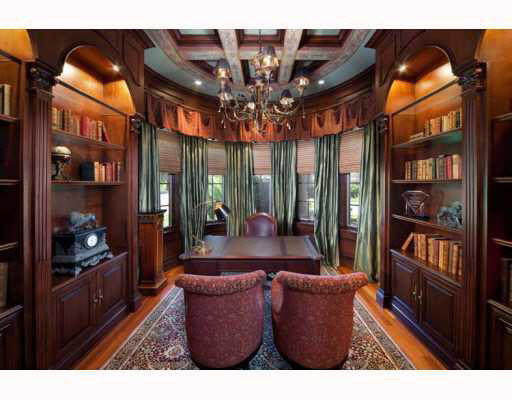 Lakefront home in tampa s premier gated country club for Premier motors columbia tennessee