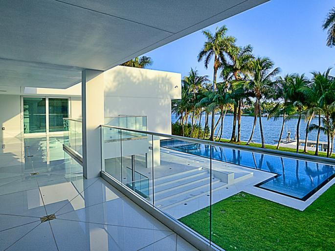 Modern Waterfront Estate On Hibiscus Island In Miami Beach Fl Homes Of The Rich