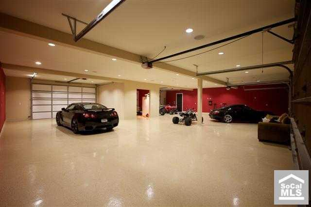 Newport beach tuscan with 12 car garage homes of the rich for Garage automobile paris 12