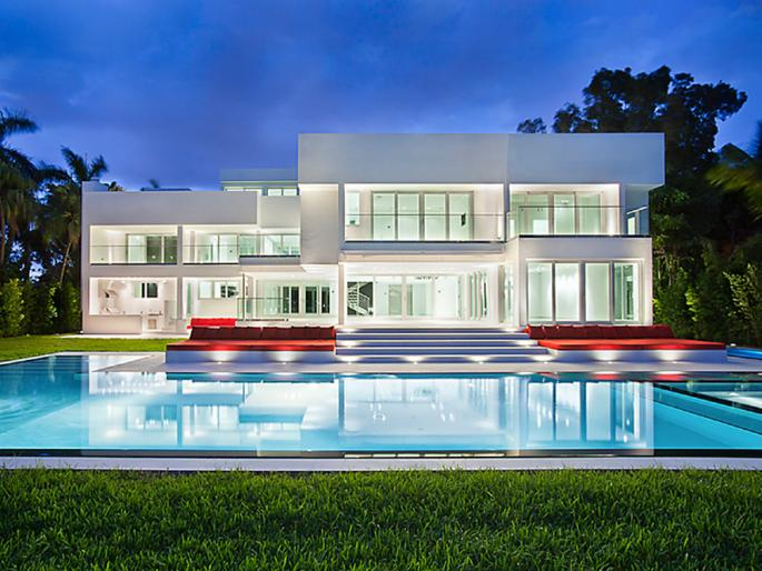 Modern Waterfront Estate On Hibiscus Island In Miami Beach, FL