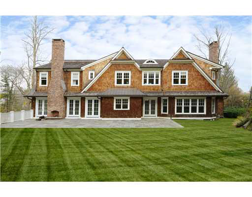 Colonial New Build In Greenwich, CT