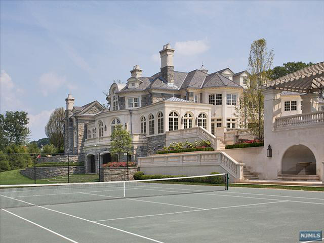More pictures of the 68 million stone mansion in alpine Nice houses in new jersey