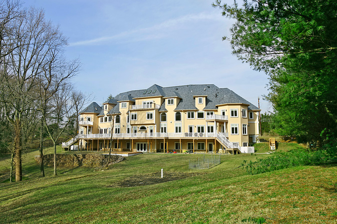 Unique mega mansion in potomac md homes of the rich for Builders in md
