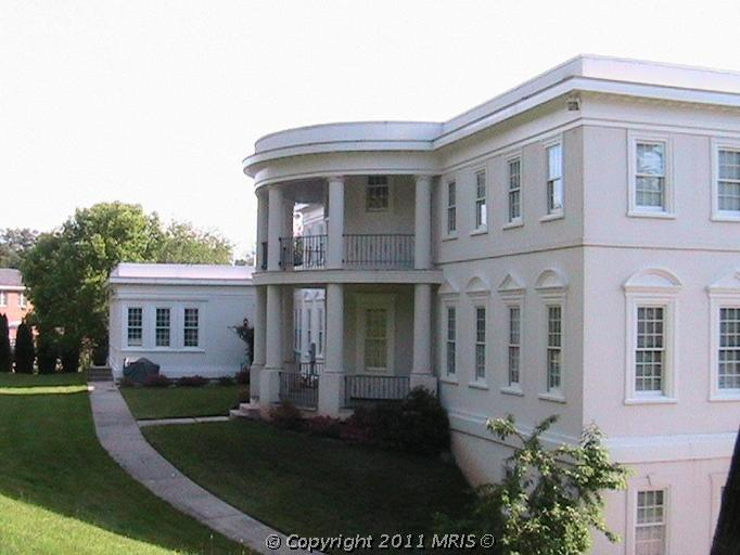 Virginia's White House Replica For Sale