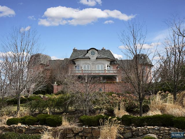 Another pricey mansion hits the market in alpine nj for Alpine nj celebrity homes
