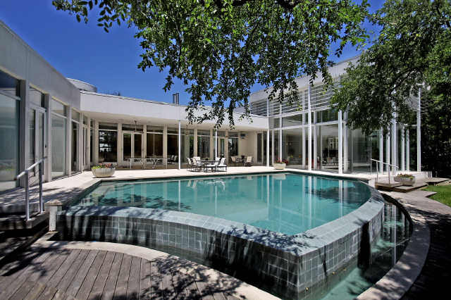 Contemporary Estate On 3 Lush Acres In Dallas, TX