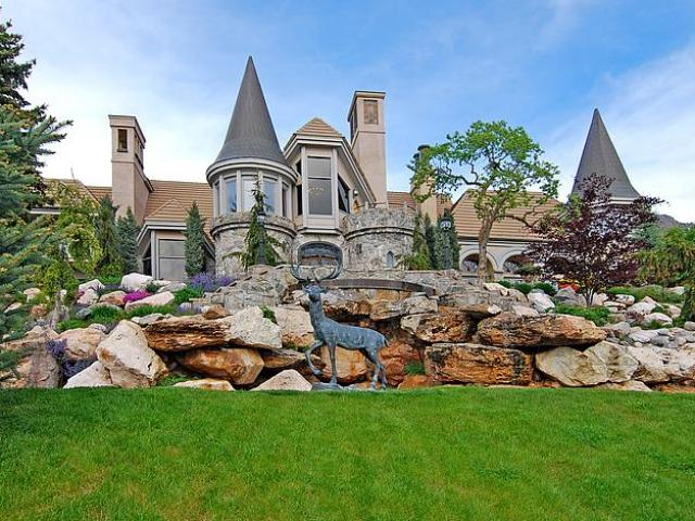 Layton Castle Homes Of The Rich