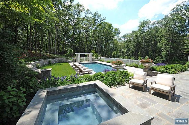 $5.5 Million Newly Listed Colonial In Franklin Lakes, NJ