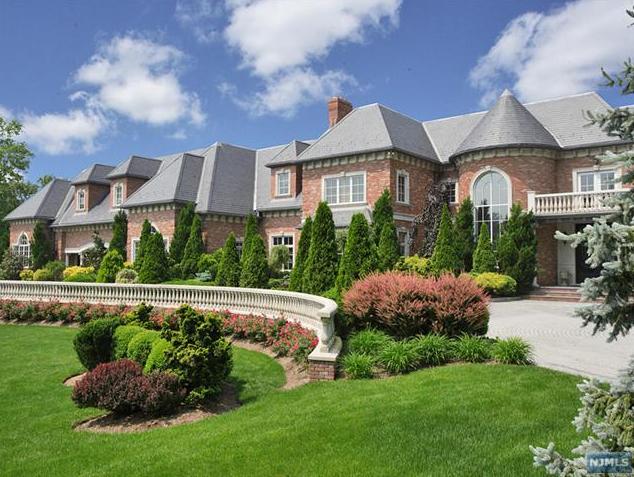 34 million mega mansion hits the market in alpine nj for Alpine nj celebrity homes