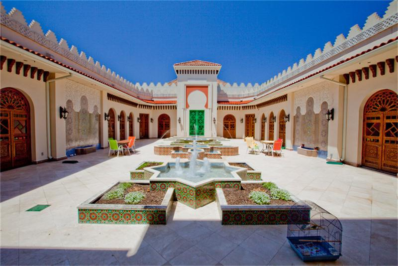 Jaw dropping moroccan style estate in houston tx homes for Moroccan house design