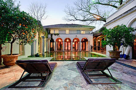 Spectacular Highland Park Estate Built In 1923