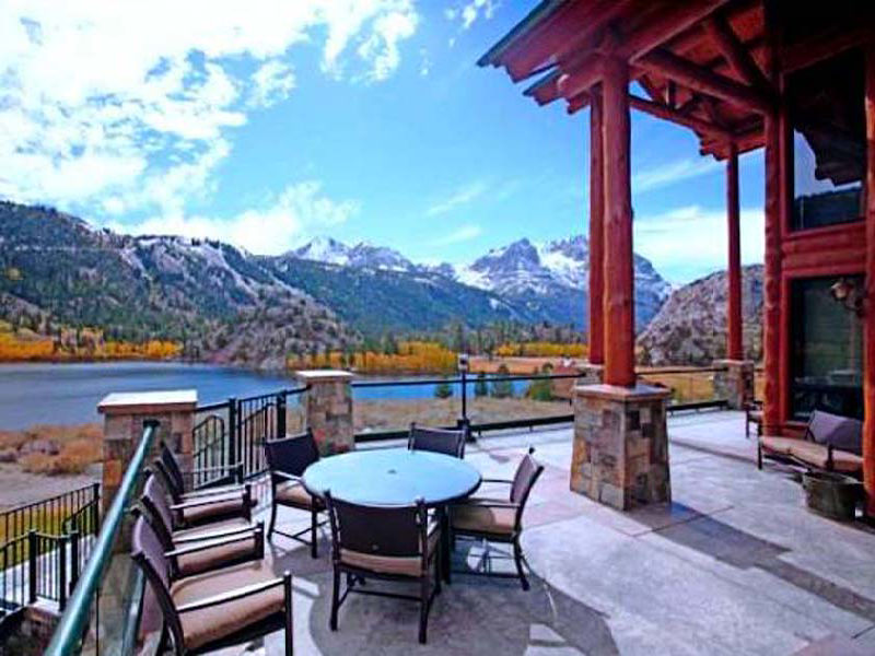 $16.4 Million Log Mansion In Mammoth Lakes, CA