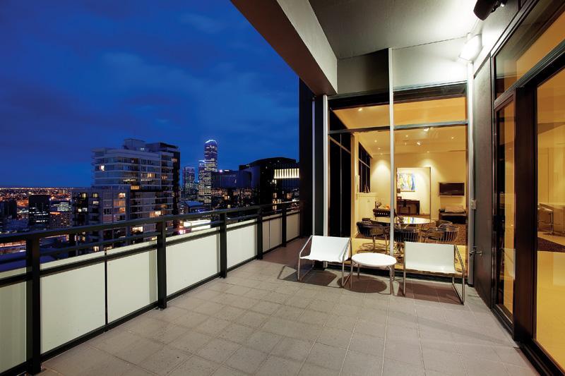 Lavish Penthouse In Victoria, AU