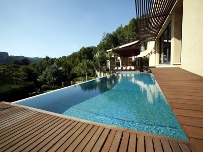 15,000 Square Foot Contemporary In Spain