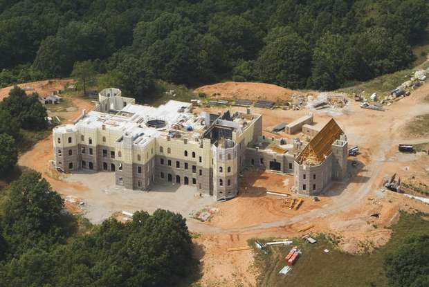 Pensmore – Missouri's 72,000 Square Foot Super Mansion