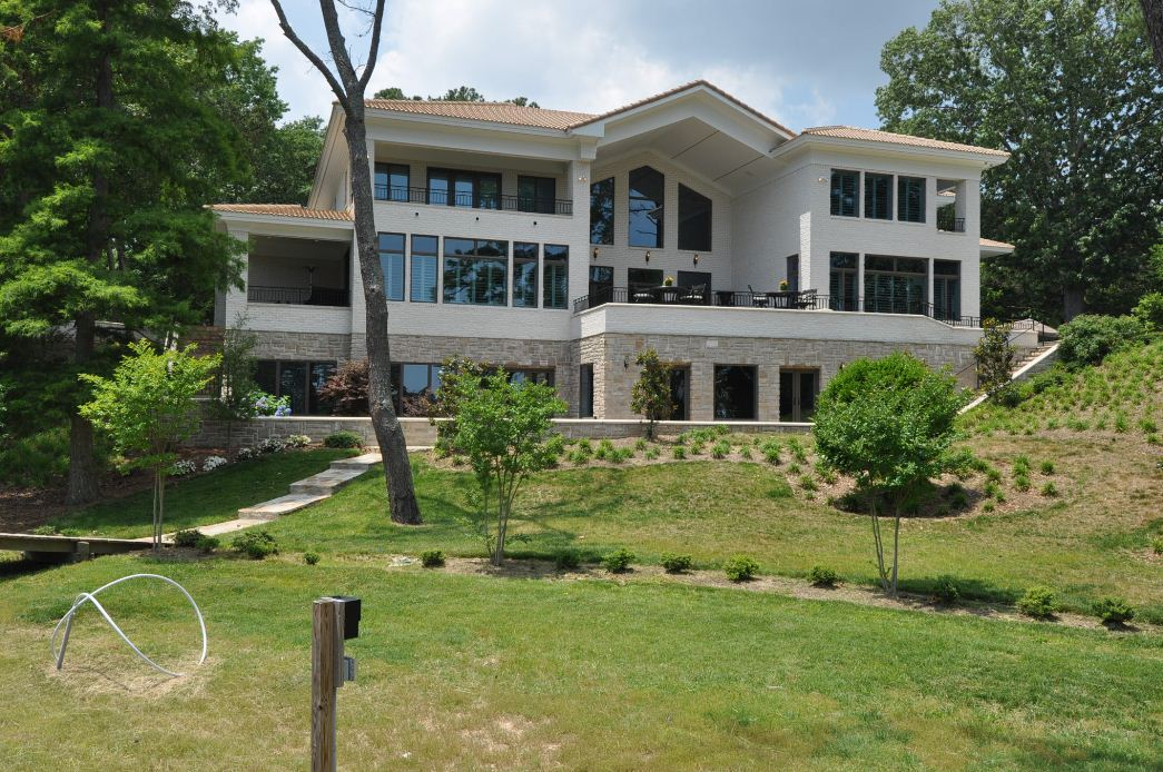 This Waterfront Mansion Was Built In 2009 And Is Located At 1808 N Alanton Drive Virginia Beach Va It Boasts 18 000 Square Feet Of Living E With 6