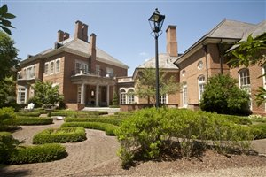 Longaberger CEO Selling 55,000 Square Foot Ohio Mega Mansion
