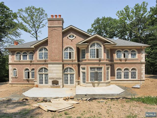 12 000 square foot new build in alpine nj homes of the rich for Alpine nj celebrity homes