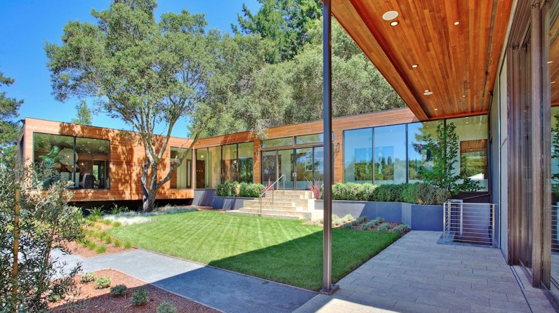 Contemporary New Build In Los Altos Hills, CA
