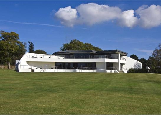 million contemporary mansion in hampshire uk