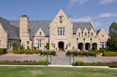 Traditional Mansion In Gated Community In Flower Mound Tx
