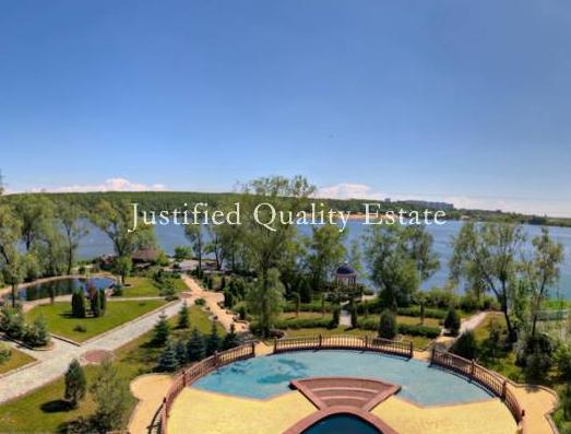 $24 Million Estate On The Moskva River In Russia