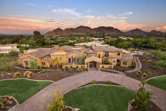 Mediterranean new build in paradise valley az celebrity for Building a house in arizona