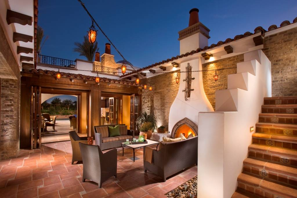 Beautiful spanish hacienda in la quinta ca homes of the for Spanish hacienda style
