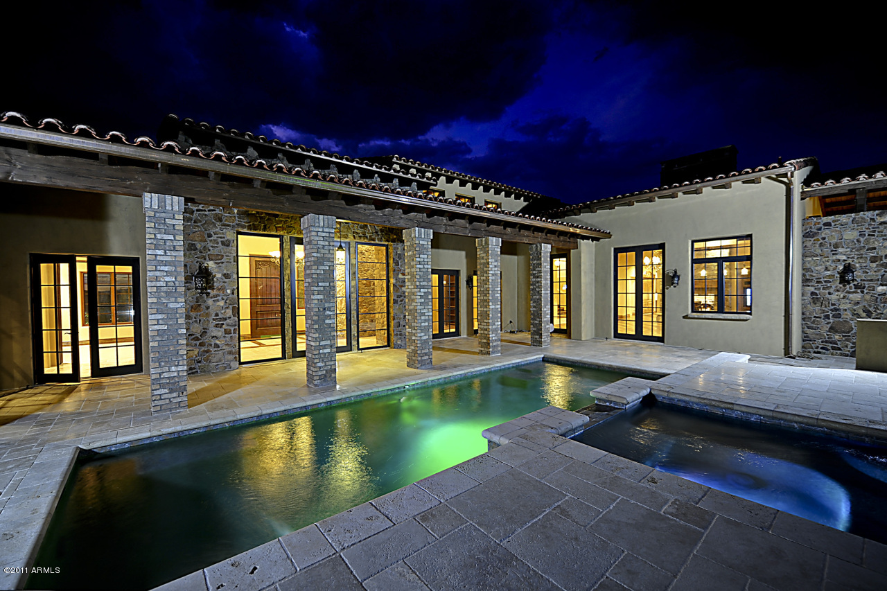 $3.995 Million Golf Course Home In Scottsdale, AZ