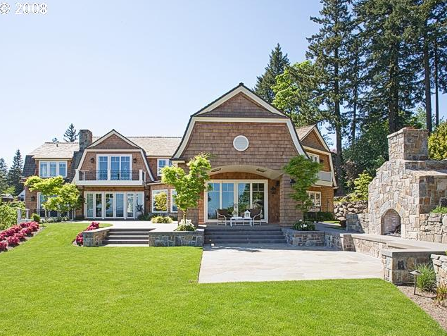 Mountaintop Shingle Home In Lake Oswego, OR