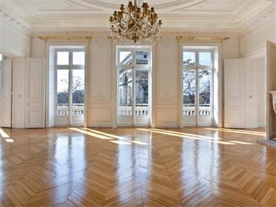 4 Bedroom Apartment In Paris, France