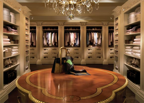 Which amazing walk in closet is your favorite homes of for Big amazing houses