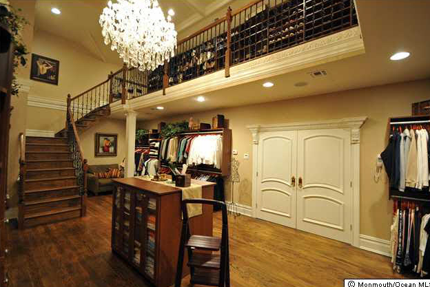 Which Amazing Walk In Closet Is YOUR Favorite?
